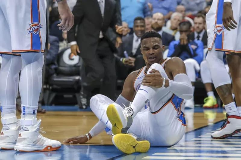 畫面驚悚 − Russell Westbrook 於 Pelicans 賽中腳踝嚴重扭傷退場治療