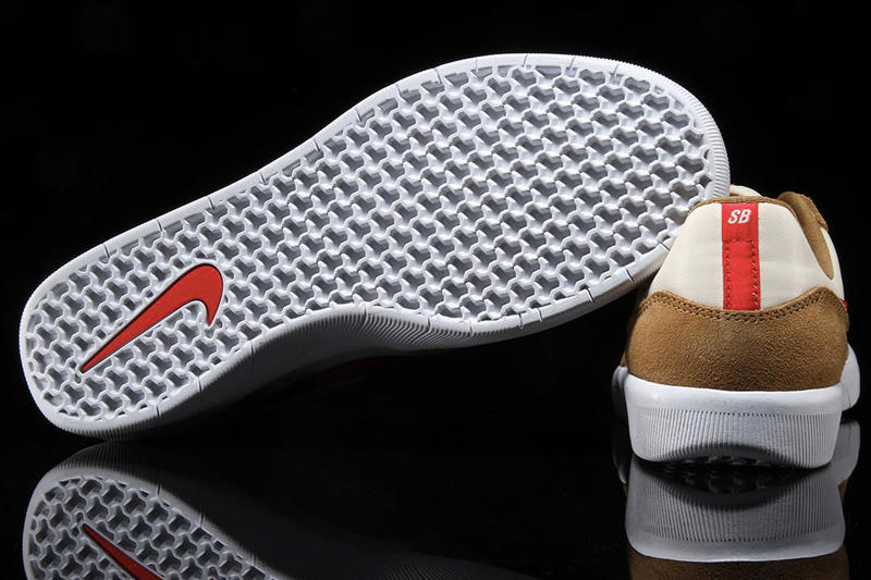Mars Yard 配色?!Nike SB Team Classic 全新配色上架