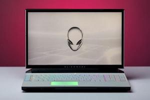 Alienware 發佈全新 Area-51M 筆記本電腦