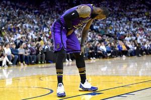 理療師透露 LeBron James 提前復出後一直忍痛出戰