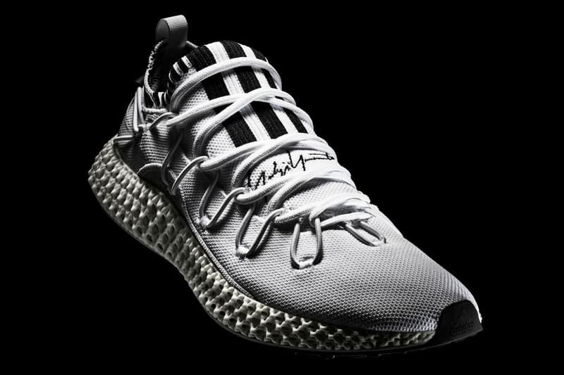 Y-3 推出全新 RUNNER 4D II 高性能鞋款