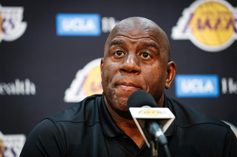 突襲宣布 − Magic Johnson 將辭去 Lakers 籃球營運總裁職位