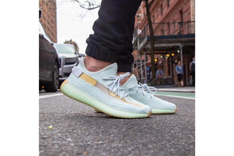 YEEZY BOOST 350 V2「Hyperspace」全新上腳圖輯預覽