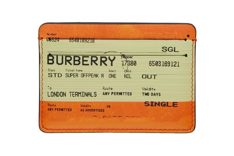 Burberry 推出玩味「倫敦車票」皮革小物