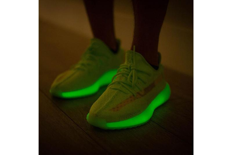 YEEZY BOOST 350 V2 人氣配色「Glow In The Dark」最新上腳預覽