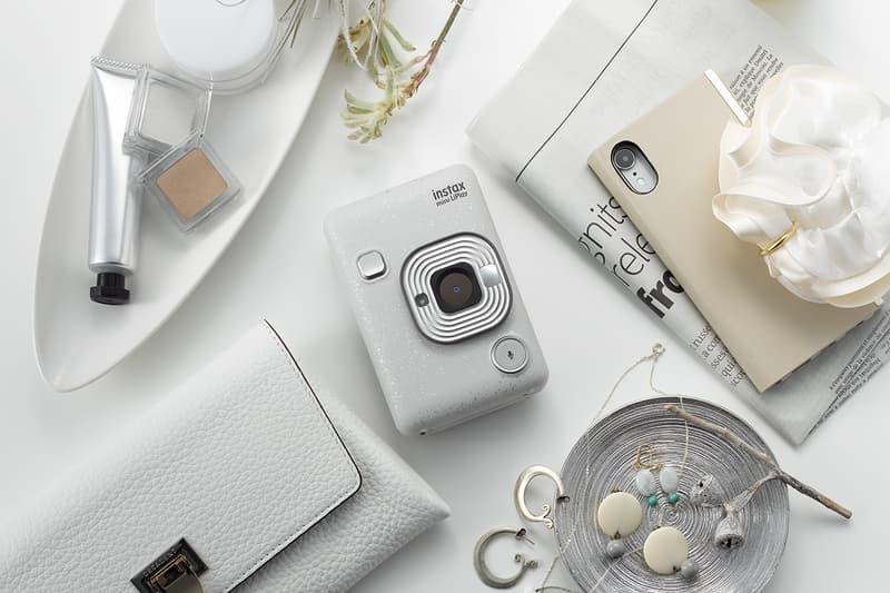 Fujifilm 推出首部混合式數碼即影即有相機 instax mini