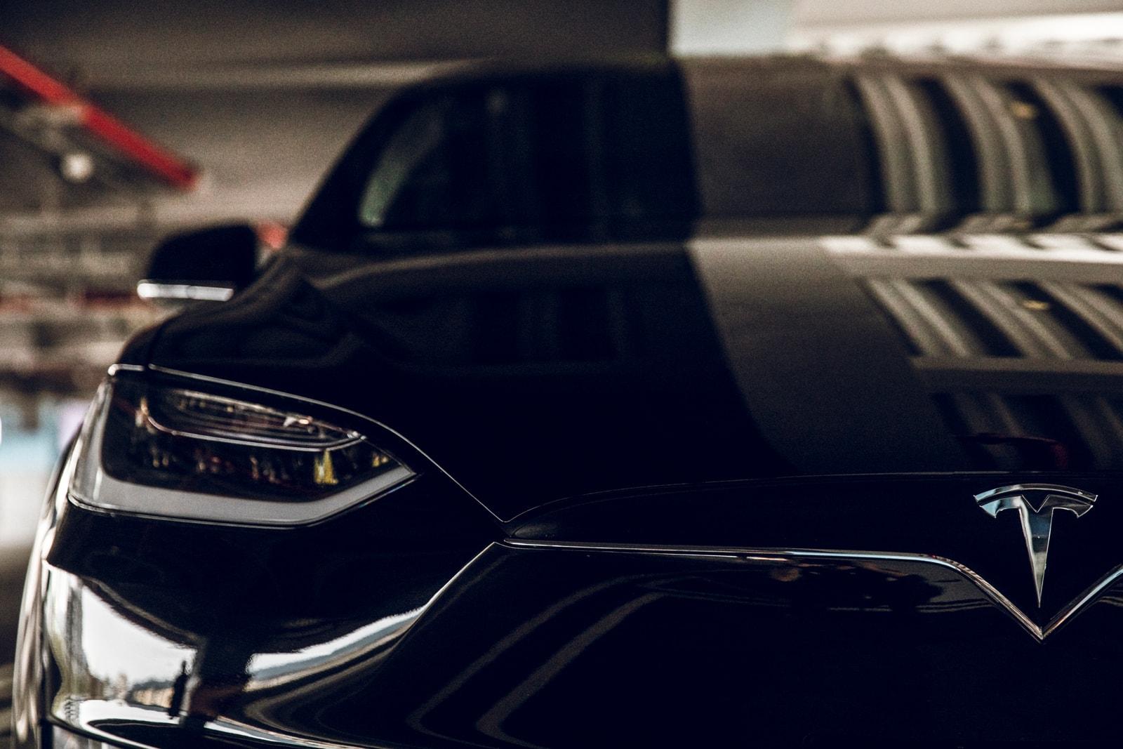 Tesla 之死忠車主!HYPEBEAST 專訪高以翔:未來會是電能車的時代