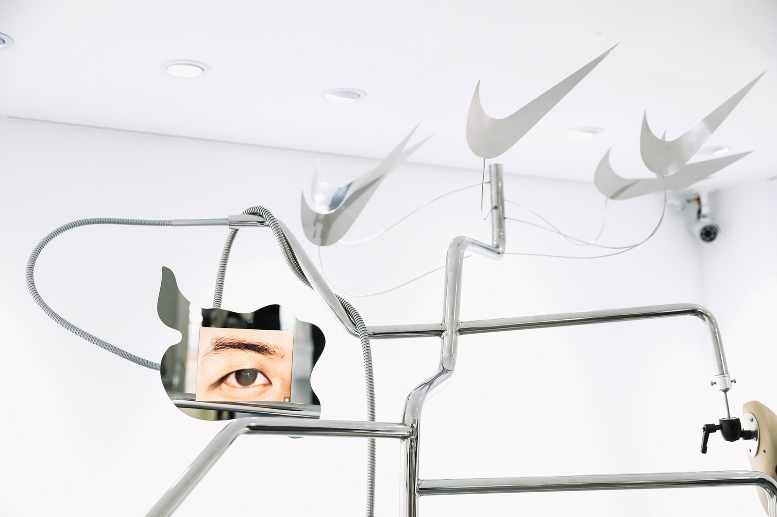 無法定義的裝置藝術 JOHN YUYI 與王信凱為 Air Max 270 React 之共同創作