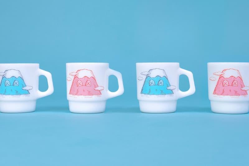 HYPEBEAST 送出「KAWS:HOLIDAY」日本站富士山 Fire-King 馬克杯套裝