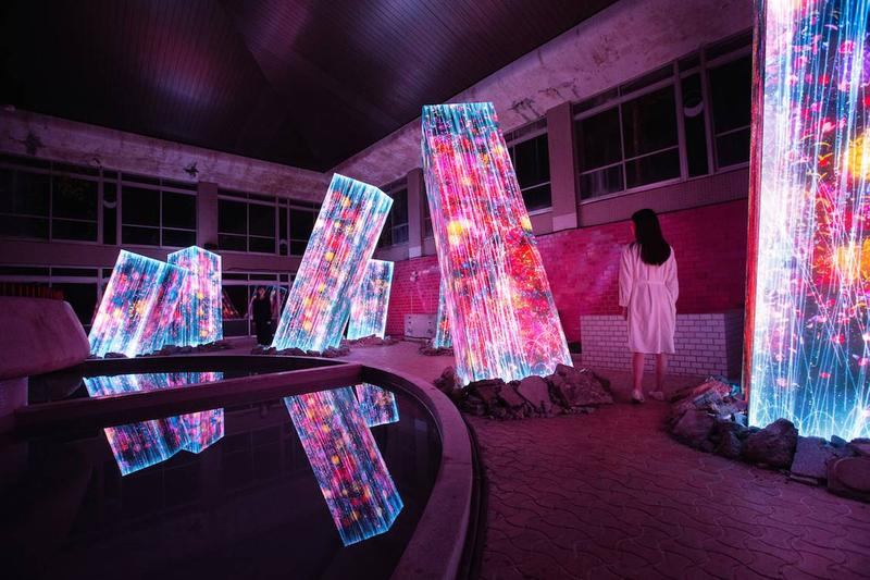 teamLab 推出全新光影藝展「Megaliths in the Bath House Ruins」