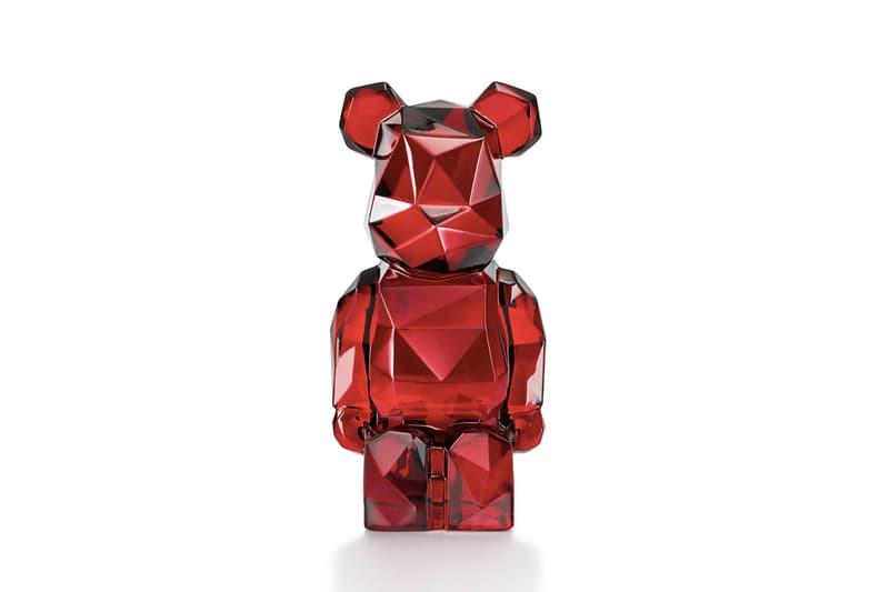 Fragment Design x Baccarat x MEDICOM TOY 攜手打造紅水晶究極奢華 BE@RBRICK 玩偶