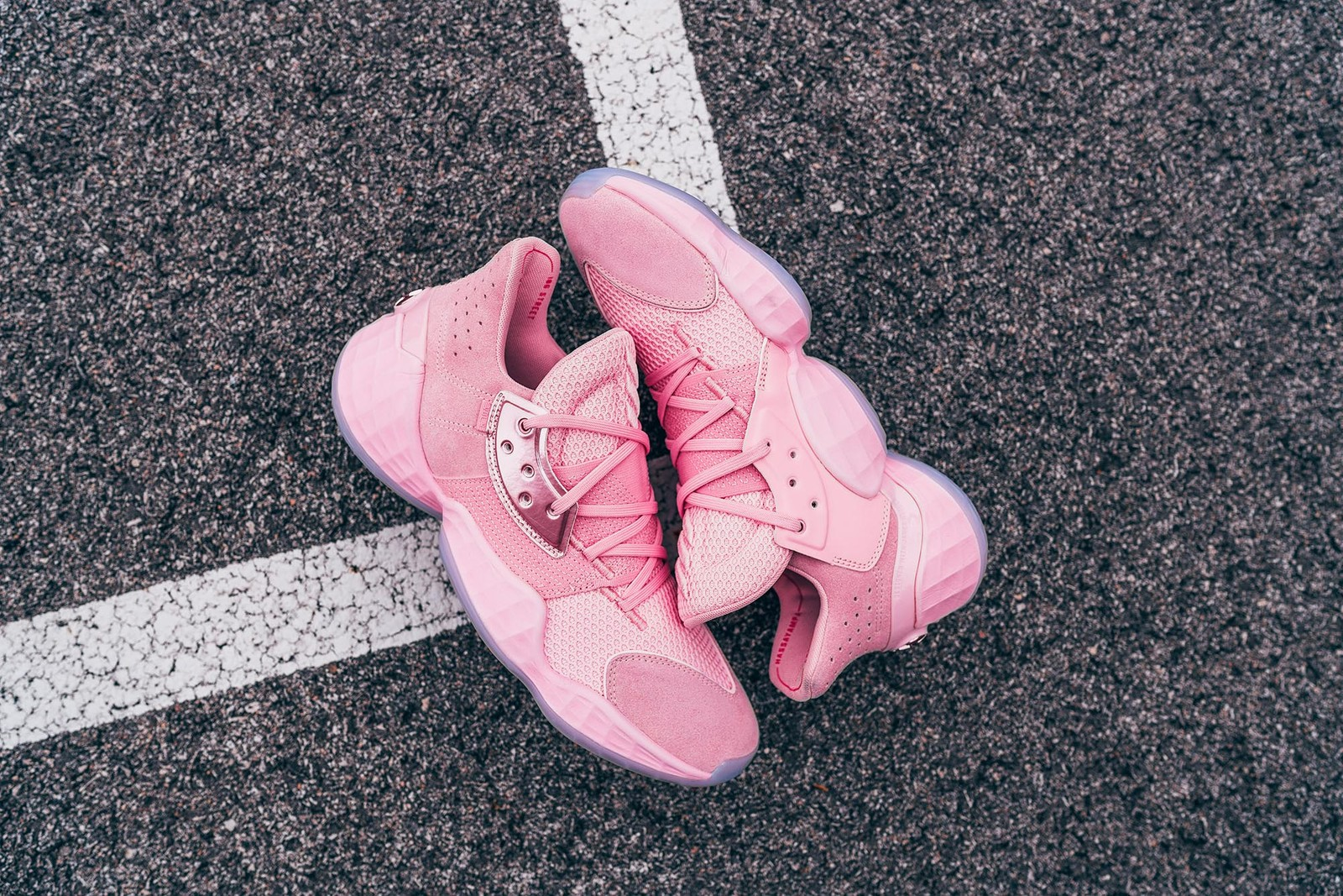 adidas Harden Vol. 4 不可錯過的首發配色釋出 Pink Lemonade 和 Barbershop