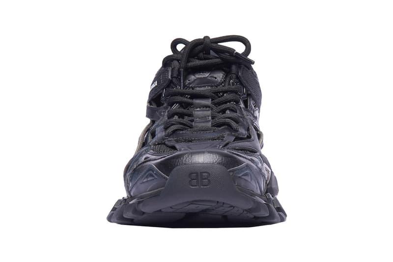 Balenciaga 推出全新仿舊褪黑設計 Track.2 Trainers 鞋款