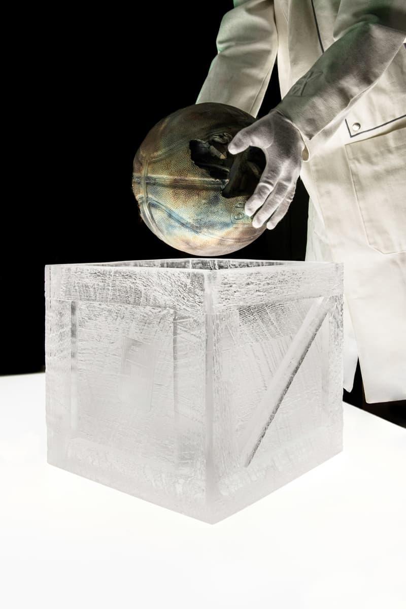 Daniel Arsham 推出別注「青銅製籃球」系列雕塑