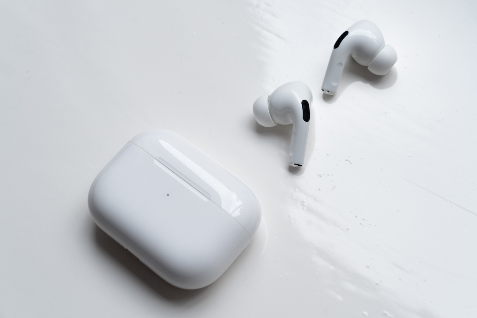 HYPEBEAST 近賞評測最新 Apple AirPods Pro 入耳式消噪耳機