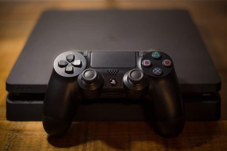 PlayStation 4 成為史上最暢銷主機第二名!