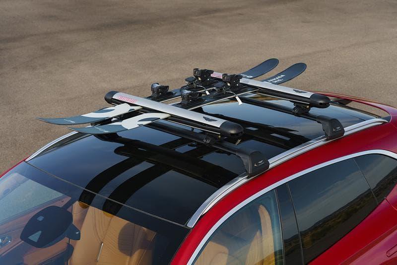 英國超豪車廠 Aston Martin 發佈首款 SUV 車型 DBX
