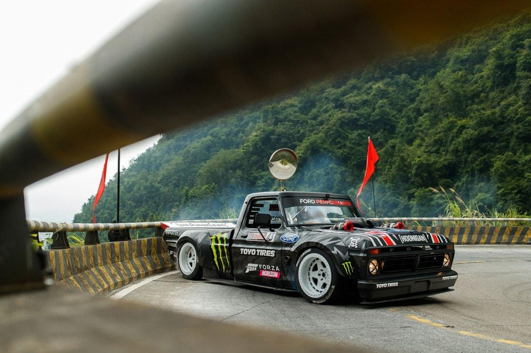 生死交錯 − 拉力賽車手 Ken Block 挑戰中國天門山 99 彎盤山公路