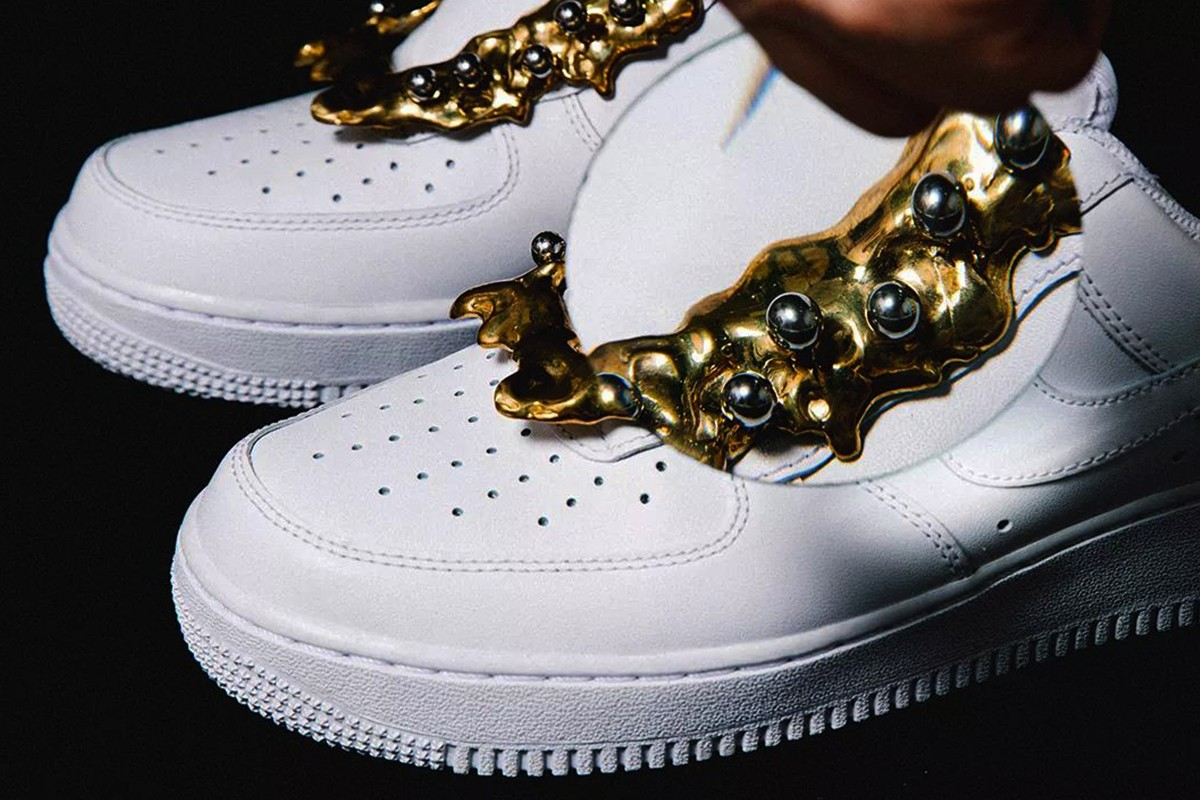 金屬配飾熱潮・球鞋之時尚化點綴