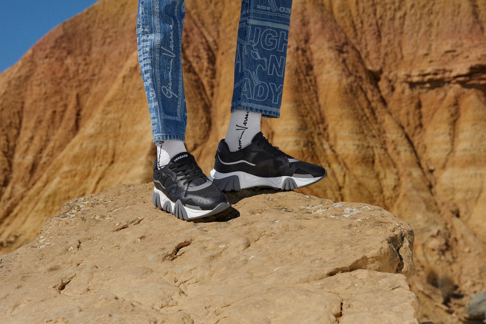 奢華運動鞋造型演繹!Versace 全新 2020 早春系列