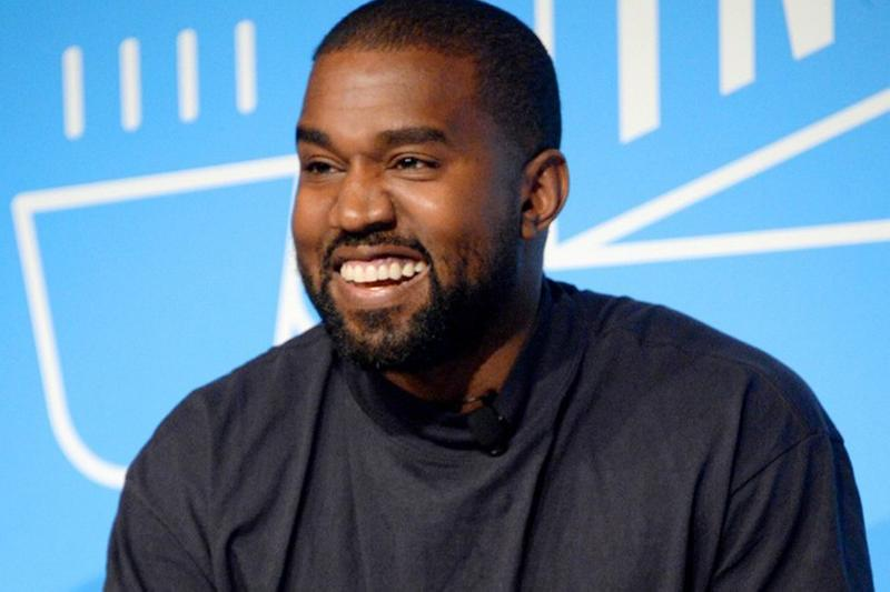 Kanye West 於感恩節被發現試穿 Nike ISPA Air Max 720 鞋款