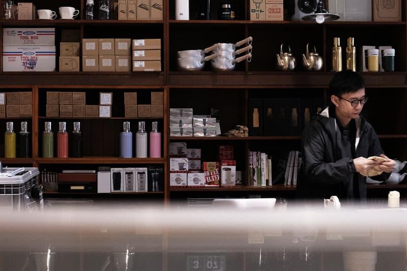 延續香港山貨店之原始理念・HYPEBEAST 專訪家品小店「黑地」始創人阿鵬