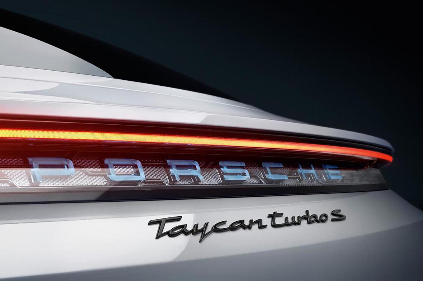 VVIP 限定!深入電掣神馳的 Porsche Taycan 頂級鑑賞會