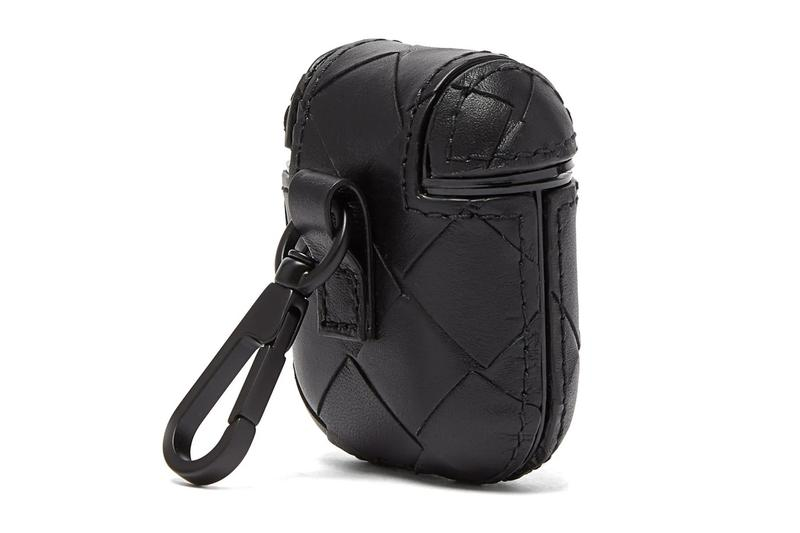 Bottega Veneta 推出經典編織皮革 AirPods 保護套