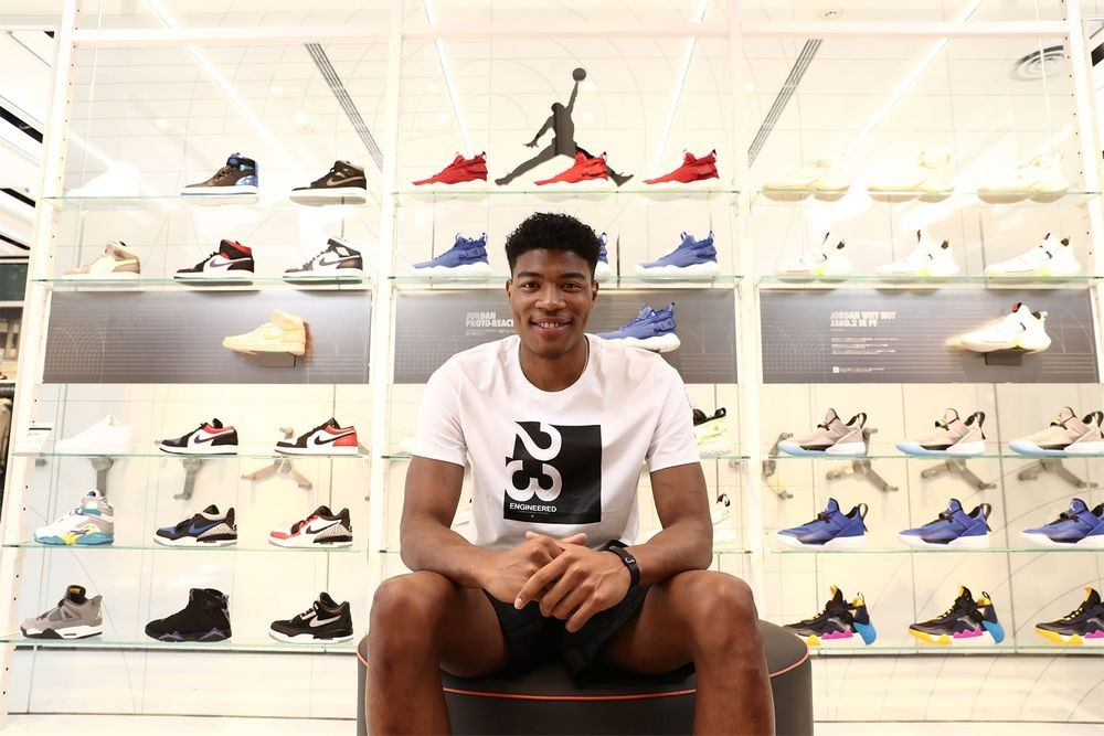 Sneakerhead 雲集的當今 NBA 聯盟 ,GOAT 為何相中八村壘?