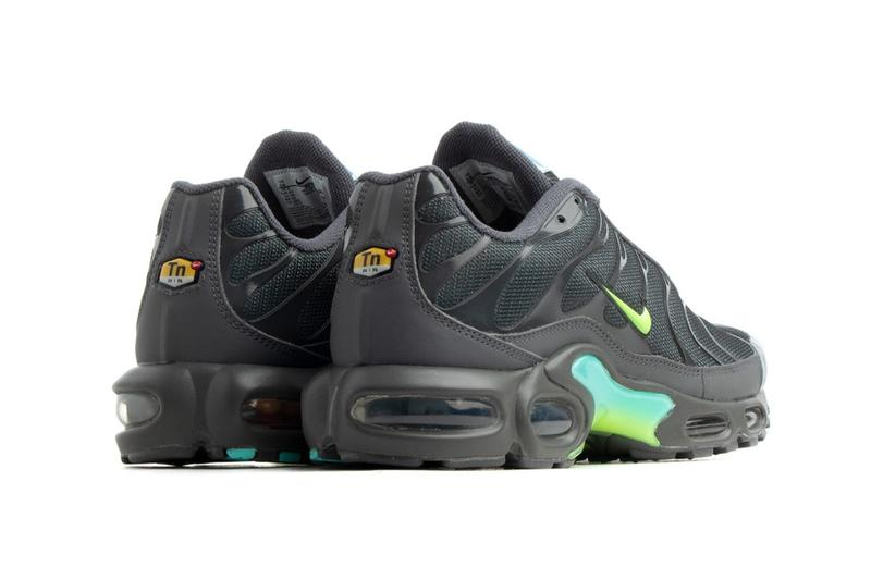 Nike Air Max Plus 全新配色「Iron Grey Iridescent」正式曝光