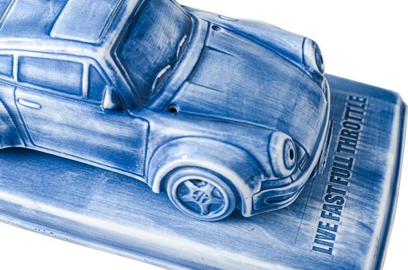 YEENJOY STUDIO 攜手 DPLS 打造限量 100 台的 Porsche 930 陶瓷香爐