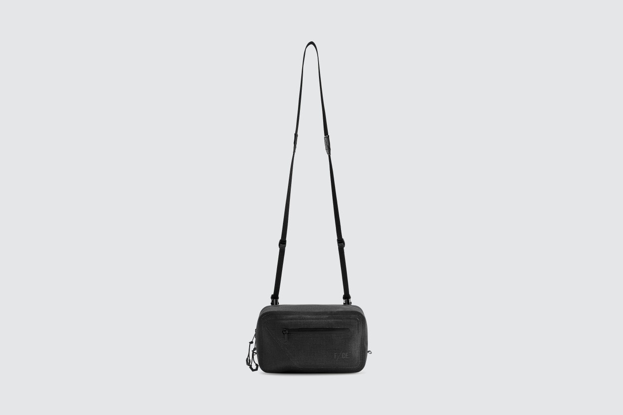 本日精选 8 款 Shoulder Bag 單品入手推介