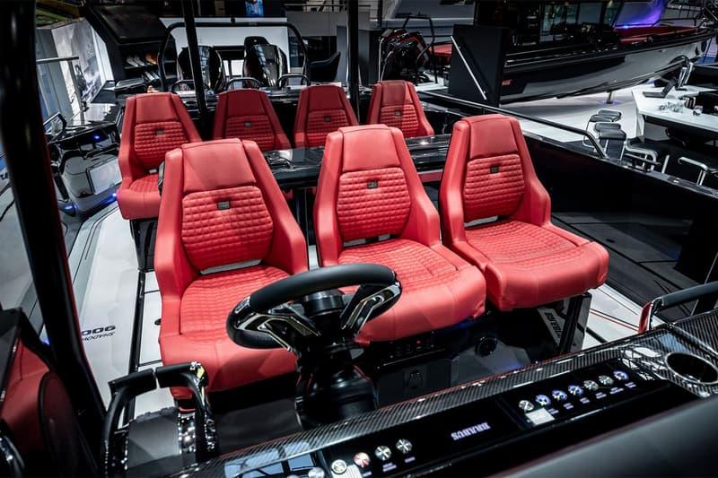 Brabus Marine 打造 900 匹馬力「Black-Ops」快艇Brabus Marine 打造 900 匹馬力「Black-Ops」快艇