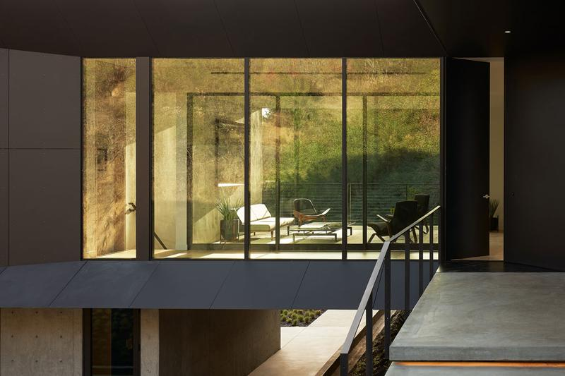 走進座落丘陵之旋轉矩形住宅:LR2 House