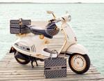 從 Dior 電單車出發,回顧 5 台由時尚單位跨界設計的 Vespa 踏板車