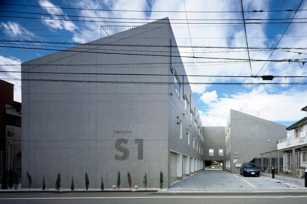 從 Blue Bottle 中環店解構近代咖啡店建築學