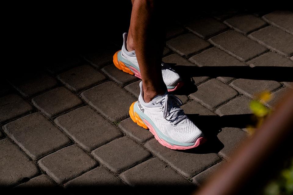 Hoka One One 發表全新跑步鞋款Clifton Edge | HYPEBEAST