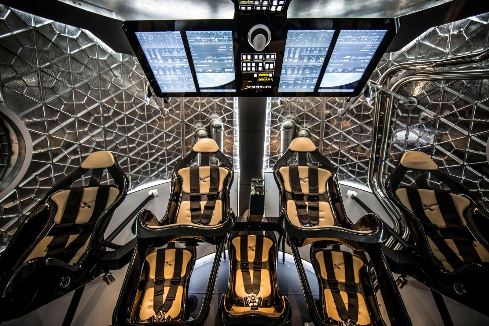 新一次「太空熱」,SpaceX 能否影響當下和未來的潮流時尚?