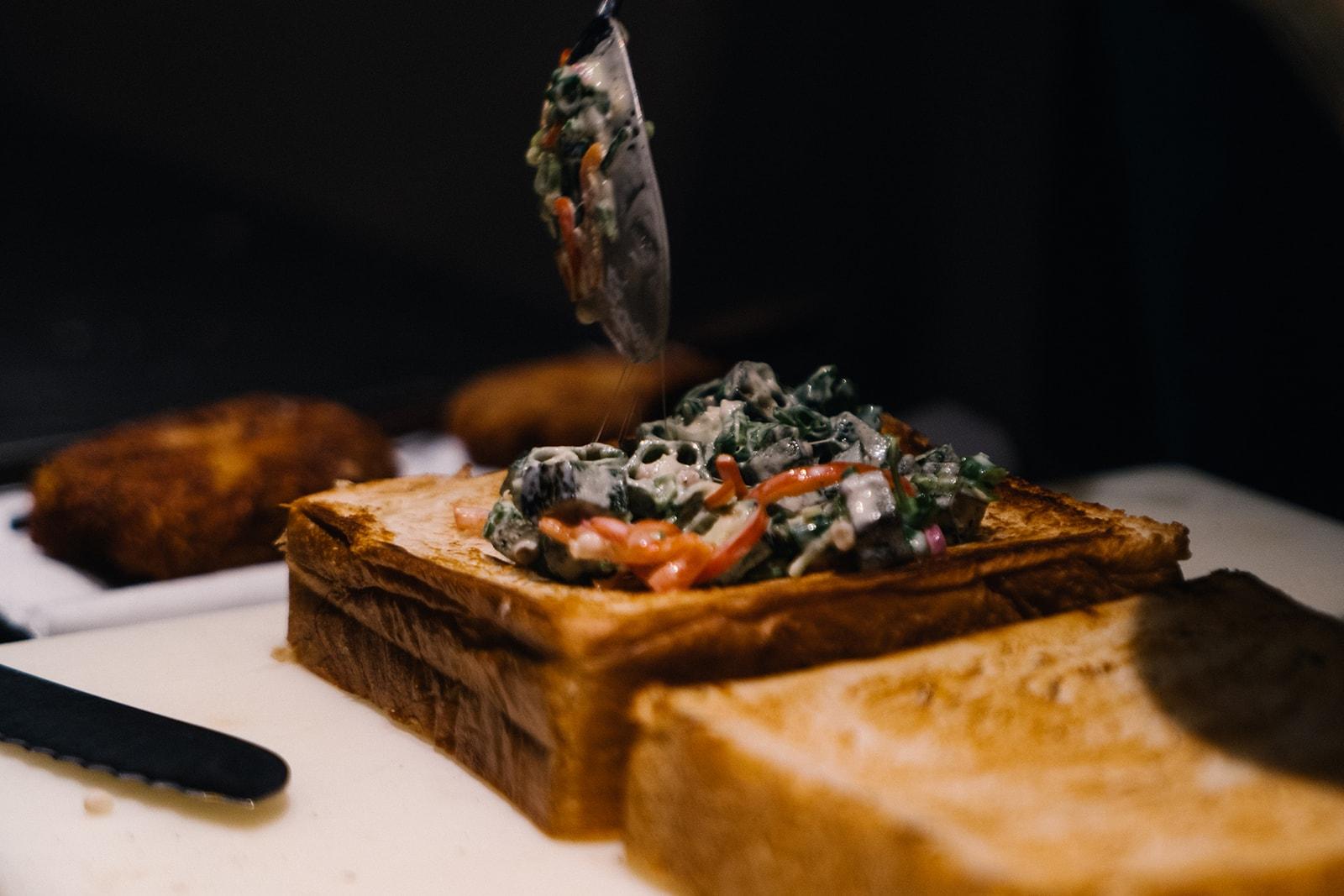 Uma Nota 主廚教授如何製作 Brazilian Katsu Sando | HYPEBEAST Eats
