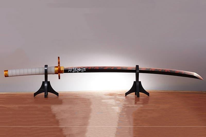 BANDAI 推出全新《鬼滅の刃》「炎柱」煉獄杏壽郎 1:1 尺寸「日輪刀」