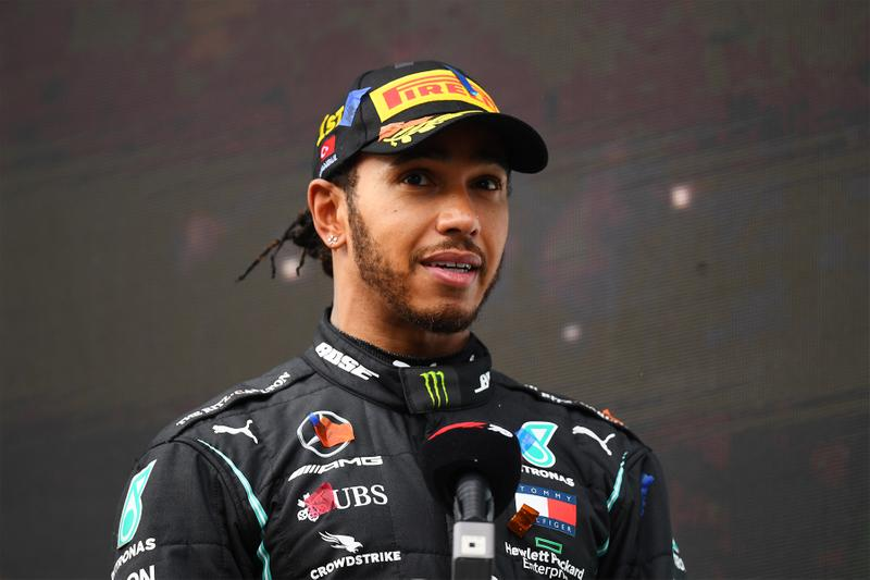 現役 F1「車神」Lewis Hamilton 控告錶廠 Hamilton 侵權確立敗訴