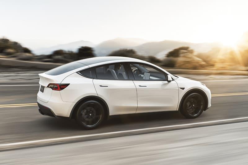 重大瑕疵 − 加州車主駕駛 Tesla Model Y 途中「車頂」突發脫落