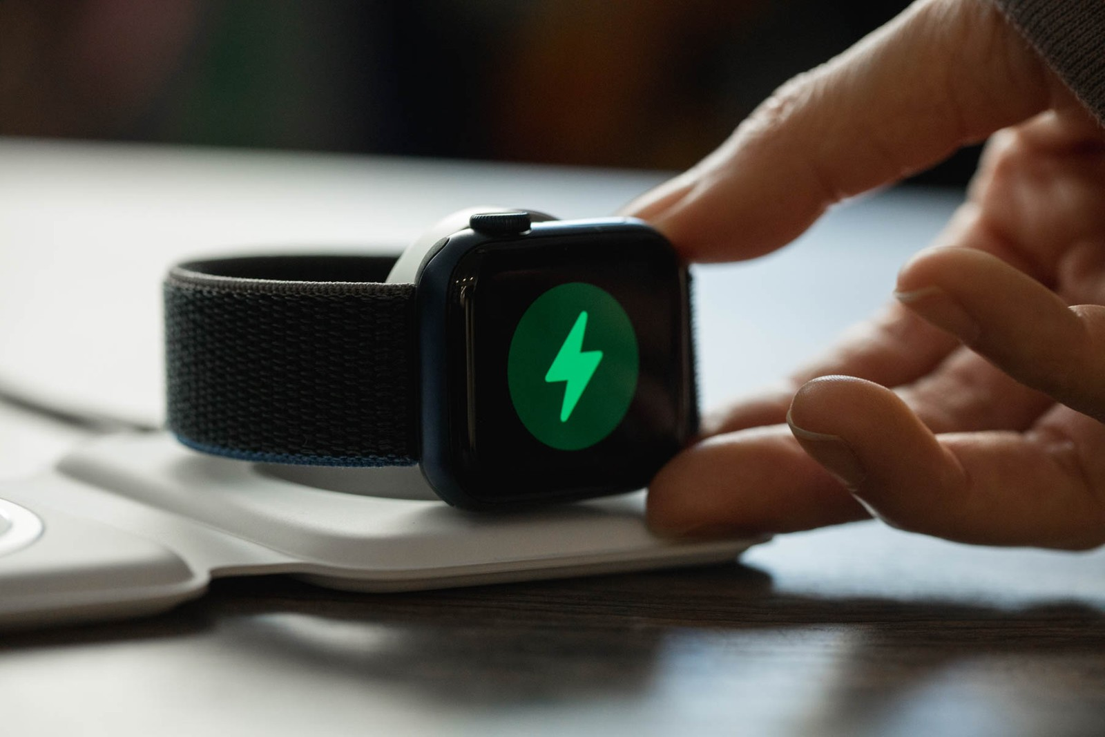 Apple MagSafe Duo Charger 雙充電器及全新 M1 型號 Macbook Air 一覽