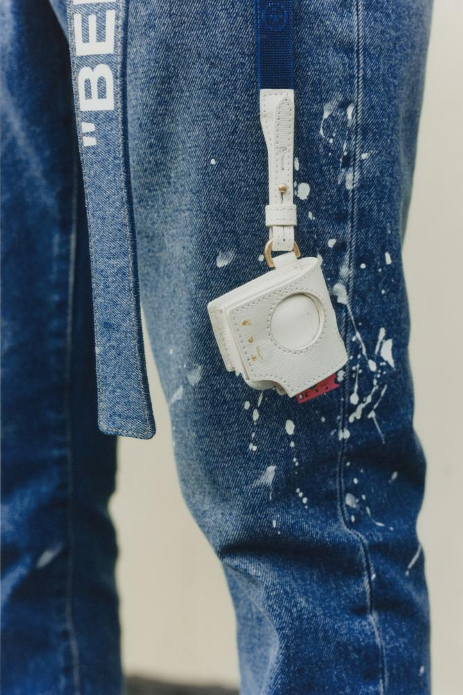 Off-White™ x WeChat 全新膠囊系列發佈