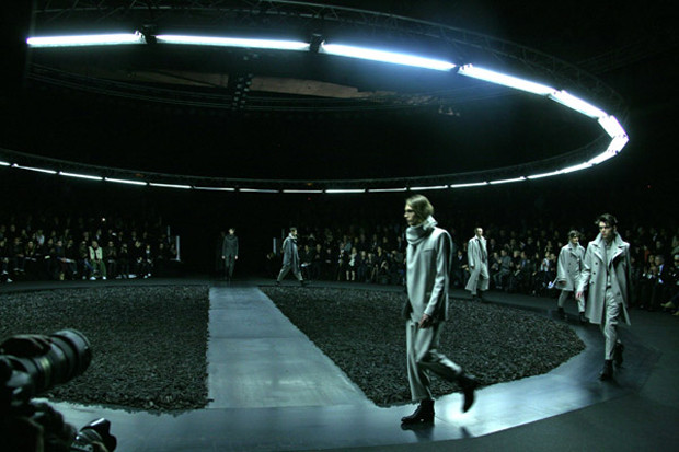 fe90a33e6a022 Dior Homme 2010 Fall Winter Collection Video