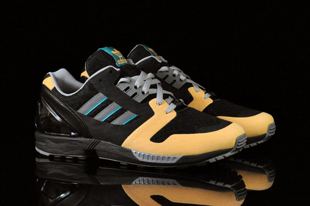 828d3d2b6 adidas Originals ZX 8000 Black Spark