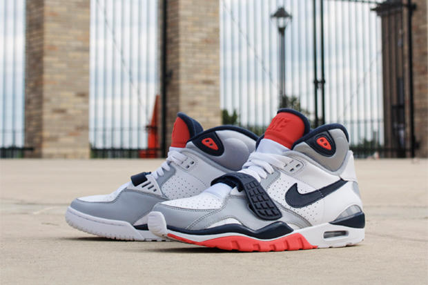 Nike welcomes a couple of new colorways in its storied Air Trainer SC II 05dcb058bd62