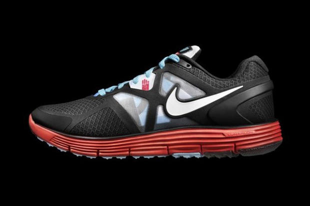 size 40 07755 b2fe6 To coincide with the 2011 Bank of America Chicago Marathon, Nike, Akin and  Chicago artist Tara D.