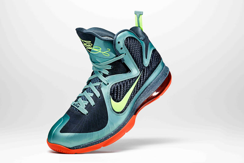best service 11bd3 680da The first shoe to combine Flywire and Hyperfuse technology, the Nike LeBron  9 focuses on