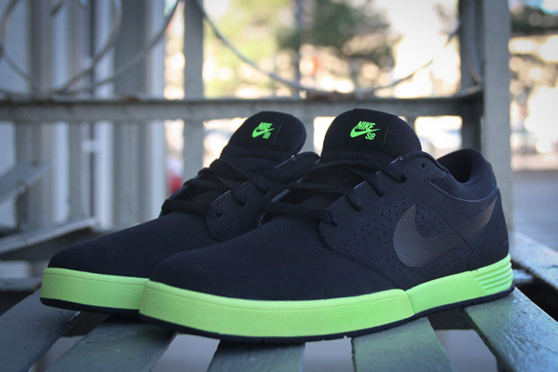 brand new c6aea acefc Nike SB Paul Rodriguez 5 Black Volt